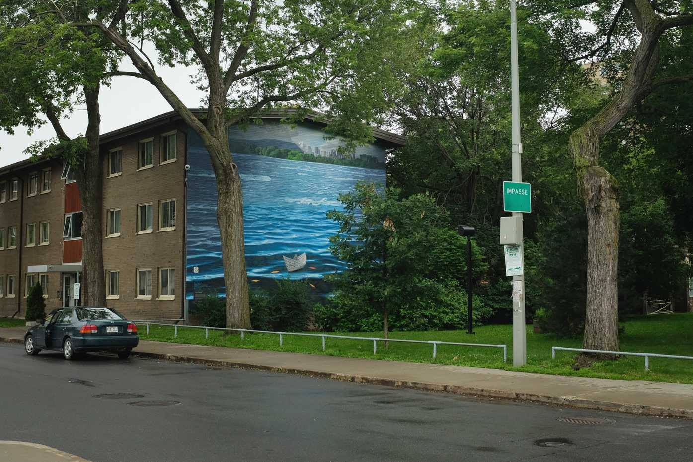 Montreal's public housing has some beautiful murals